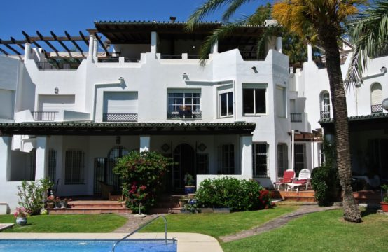 Townhouse by the Golf Course Marbella